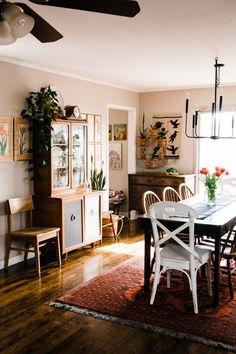 Home Tour: A Carefully Collected Vintage Ranch Home — Retro Den | Vintage Furniture and Homewares Dining Room Design, Dining Room Furniture, Dining Room Lighting, Warm Dining Room, Dining Area, Dining Table, Eclectic Decor, Eclectic Dining Rooms, Eclectic Furniture