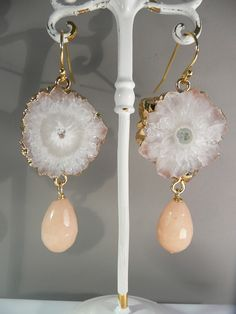 Golden Solarquartz with peach Aventurijn earrings.
