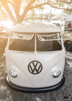 VW Bus Face    :-{b>