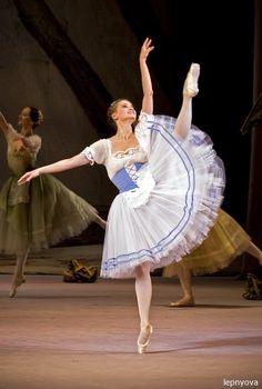 Galina Stepanenko as Giselle (Bolshoi Ballet)  Photo (c)Irina Lepnyova.