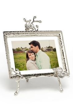 Michael Aram 'White Orchid' Easel Picture Frame http://rstyle.me/n/edsspr9te