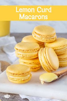 Lemon Curd Macaron Chef Eddy's Lemon Curd Macarons are light and tender meringue-based cookies with a crisp shell with chewy center. Filled with sweetly tart homemade lemon curd for a bright bite in every cookie. Cookie Desserts, Just Desserts, Cookie Recipes, Delicious Desserts, Yummy Food, Brownie Recipes, Lemon Recipes, Sweet Recipes, Baking Recipes