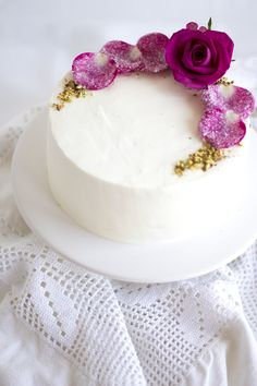 pistachio rose cake//
