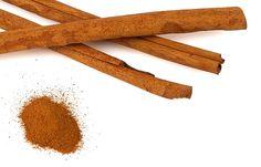 Efectos secundarios del té de canelaContraindicaciones del té de canelaEmbarazoLactanciaNiños menores de 6 añosHepatopatíasEnfermedad de CrohnDaño renalEnfermedades de origen hormonalCirugías recientesDiabetesOtras formas de consumir la canela El té de canela puede ser un buen complemento para adelgazar en forma natural. Si bien se la considera una planta aromática bastante segura, es necesario conocer que tipo […]