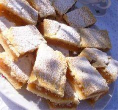 """""""Már többször sütöttem, de ez a mostani.... valami mennyei lett, pedig az alma kevésnek tűnt és a tésztából kimaradt a sütőpor. Milyen szerencse! Mert a tésztája puha omlós lett."""" Hungarian Desserts, Hungarian Recipes, Sweet Desserts, No Bake Desserts, Dessert Recipes, Bakery Recipes, Cooking Recipes, Baking Muffins, Winter Food"""