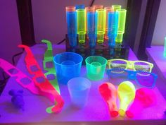 NEON and GLOW Party and Nightclub supplies, promo, bar products Uv Party, Neon Party, Party Props, Party Time, Party Ideas, Foam Party, Movie Party, Glow In Dark Party, Glow Stick Party