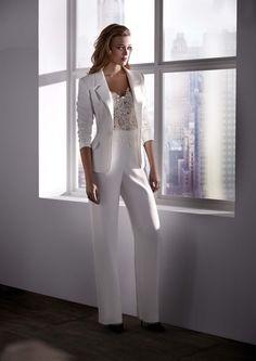 Abiti da sposa con pantaloni: uno strappo alla regola con un look alternativo #sposa #pantaloni #bridalpantsuit #pantsuit #look #abitidasposa #matrimoniocom #matrimonio2019 #italia