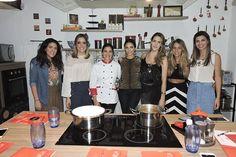 Minha amiga Lu Zaidan, chef de cozinha de mão cheia, deu uma aula de culinária para mim e para as minhas amigas, em prol da Fundação Amor Horizontal.