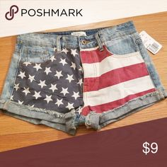 d215eb571a75dd Women's shorts! Summer shorts great for a day at the beach! #summervibes  Forever 21 Shorts