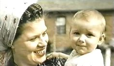 Patsy Cline and her daughter, Julie.
