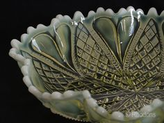 Davidson Pearline Glass Dish. Vintage oval shaped Pearline Glass Bowl / Dish by the Davidson Glass Co. 'William and Mary' pattern in Uranium Primrose colouring. Rd No 413701
