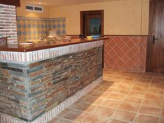 Barras on pinterest bar event room and zaragoza for Barras de bar rusticas para jardin