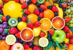 In this must watch video, Dr Michael Greger looks at the question of how much fruit is it safe to eat on a daily basis.  About Dr Michael Greger Dr. Greger is a physician, author, and i…