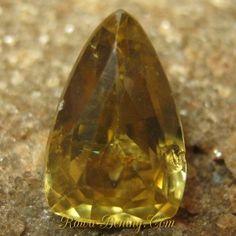 Jual Batu Permata Zircon Kuning Triangular Cut 2.74 carat Rawa Bening