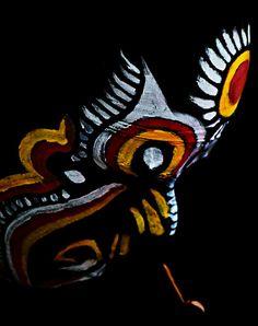 Kola-Artist painting his face Tiger Dance, Indian Illustration, Mangalore, Face Sketch, Artist Painting, Portrait Photography, Folk, Karnataka, Wall Art
