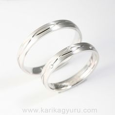 Divatos fehér arany karikagyűrű pár 0,03 ct gyémánttal. Wedding Rings, Engagement Rings, Jewelry, Enagement Rings, Jewlery, Jewerly, Schmuck, Jewels, Jewelery