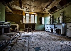 12 Bone-Chilling Images Of Abandoned Places - Chateau Miranda Interior - just as creepy as the outside.
