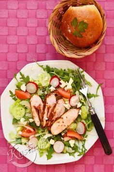 Dziś kolejny pomysł na sałatkę, którą można zjeść w domu lub zabrać ze sobą do pracy, na uczelnie lub tak jak ja do ogródka :)   Teraz, gdy pogoda jest po prostu świetna, staram się każ... Cobb Salad, Lunch Box, Cooking, Food, Kitchen, Essen, Bento Box, Meals, Yemek