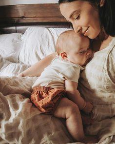 Gül yayla ⚜ adlı kullanıcının kids and parenting panosundaki pin быть мамой Mama Baby, Mom And Baby, Baby Kids, Baby Boy, So Cute Baby, Cute Babies, Baby Pictures, Baby Photos, Foto Baby