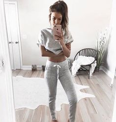 When you get home and all you want are your comfy clothes  @kelsrfloyd #windsorgirl  Shop link in bio.