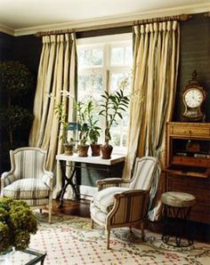 Interior Decorating   Gray and Yellow a Chic Color Scheme