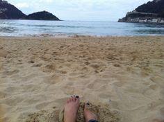 En la orilla del mar...en la playa de la Concha. #inspiración #donosti #playadelaconcha