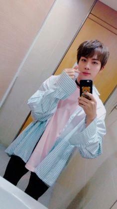 Read from the story DatingD BTS×Jimin Texting by kookie_tae_with_suga (Hyuna-Noona) with 355 reads. Name: Kim SeokjinUsername: eat-Jini. Bts Jin, Jin Kim, Bts Bangtan Boy, Namjin, Seokjin, Foto Bts, Yoonmin, Kim Taehyung, Wattpad