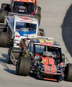 Awesome action on the track Wednesday night during the Whelen Modified Series UNOH Perfect Storm 150!