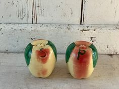 Apple shakers large salt Pepper shakers vintage red yellow | Etsy Salt Pepper Shakers, Salt And Pepper, Pottery Art, Side Table Lamps, Pastel Mint, Mirror With Shelf, Vintage Candy, Gold Wood, Mint Green