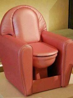 Tech Discover Haha this is funny! Who doesn& want a toilet chair lol Inventions Folles Best Man Caves Toilet Chair Weird Inventions Funny Pictures Funny Pics Cool Stuff Awesome Things Unusual Things Best Man Caves, Toilet Chair, Weird Inventions, Funny Pictures, Funny Pics, Decoration, Home Decor, Husband, Comfy