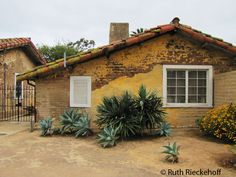 California adobe homes on pinterest adobe spanish for Adobe home builders california