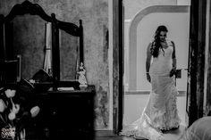 #bride #gettyngready #weddingphotography #weddingday #brideportrait #lovesession #love #wedding #fotodebodas #nupcias #novias #bodasmexico #bodadedia #vestidodenovia #picoftheday