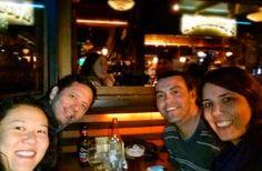 Só para os fortes. 10km andando até o bar para pegar uma mesa do lado de fora.  #passeiomirim #melhorescompanhias