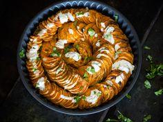 Exotisches Süßkartoffel-Gratin mit Kokosnuss-Sauce