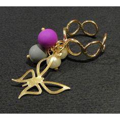 Anillo de Moda con Chapa de Oro, Perla, Caucho y Dije de Mariposa | Ajustable