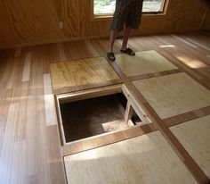In floor storage for a tiny house. In floor storage for any house, home architecture, smart spaces, smart home design, sustainable home design Tiny House Swoon, Tiny House Cabin, Tiny House Living, Tiny House Plans, Tiny House Design, Tiny House On Wheels, Tiny House Movement, Tyni House, Cottage House