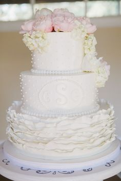 White monogramed cake: http://www.stylemepretty.com/little-black-book-blog/2014/10/30/charming-private-estate-wedding-in-sonoma/ | Photography: Allyson Wiley - http://www.allysonwiley.com/