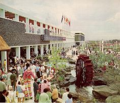 Roselands Shopping Centre, 1966 The Eastern Terrace Modern Pictures, Old Pictures, Old Photos, Australian Photography, Consumer Culture, The 'burbs, As Time Goes By, Shopping Malls, Old Signs