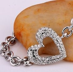 18K Gold plated Fashion Link Heart Bracelet. $16.95 only! Free US & Int'l Shipping