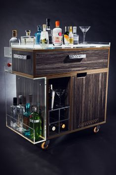 Luxury barware from Juliettes Interiors for the ultimate in designer drinks and cocktail parties in your home, hotel or property development. Barista, Serving Trolley, Style Lounge, Luxury Candles, Dining Table Design, Italian Furniture, Bar Furniture, Decoration, Chai
