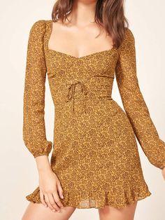 Best Outfit Ideas for Women Over 40 - Fashion Trends Pretty Dresses, Women's Dresses, Vintage Dresses, Casual Dresses, Short Dresses, Fashion Dresses, Baby Dresses, Dresses Online, Oktoberfest Outfit