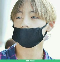 Kim Taehyung wearing contact lenses