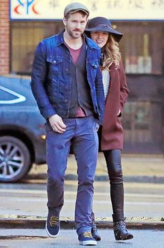 Ryan Reynolds and Blake Lively head back to their car after having dinner in Vancouver's Chinatown Apr. 6