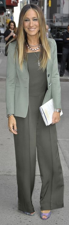 Sarah Jessica Parker - How to wear a jumpsuit to work. #weartowork