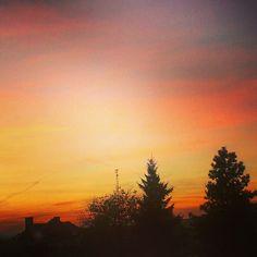 Piękny jesienny zachód słońca