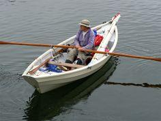 Dory 'Abadenn' à l'aviron dans le Port-Rhu
