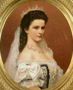 «в конце 19 — го века в мире было две самых красивых женщины и обеих их звали Елизаветами!» Первая жила в России и носила имя Великой княгини Елизаветы Феодоровны Романовой, ставшей…