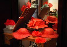 Angolo dedicato al Rosso!  #cappello #cappelli #hat #instalike #instafun #instalife #fashion #womenfashion #madeinitaly #livorno #toscana #tuscany #italia #italy #moda #modadonna #fascinator #artigianato #modisteria #modella #modelle #fashionphoto #accessori #stile #style #red #wedding