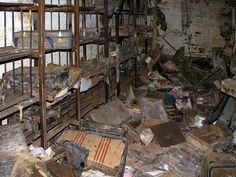 - Sanatoria a léčebny - Danvers State Hospital Haunted Asylums, Abandoned Asylums, Abandoned Places, Real Haunted Houses, Most Haunted, Haunted Places, Old Hospital, Abandoned Hospital, Old Buildings