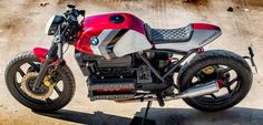 This BMW Race is a custom motorcycle built by Fran Manen, owner of Lord Drake Kustoms based on the 1984 BMW K model in a Cafe Racer style. Bmw Motorbikes, Racing Motorcycles, Custom Motorcycles, Cafe Racer Style, Bmw Cafe Racer, Cafe Racers, Bmw Scrambler, Bmw K100, Custom Bmw